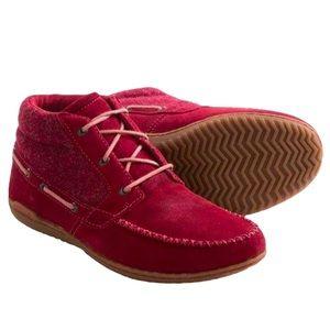 Patagonia   Kula Chukka Boots - Suede- Waxed Red - Performance Footwear